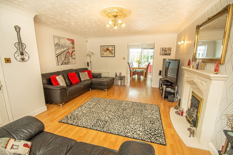 4 bed house for sale in Radbourne Drive 2