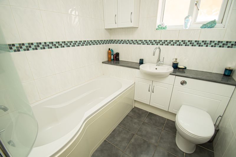 4 bed house for sale in Radbourne Drive  - Property Image 11
