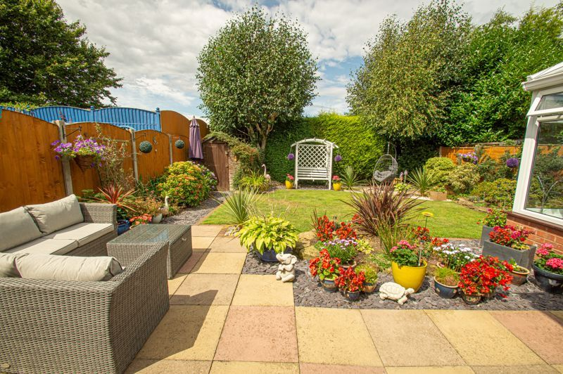 4 bed house for sale in Radbourne Drive 12