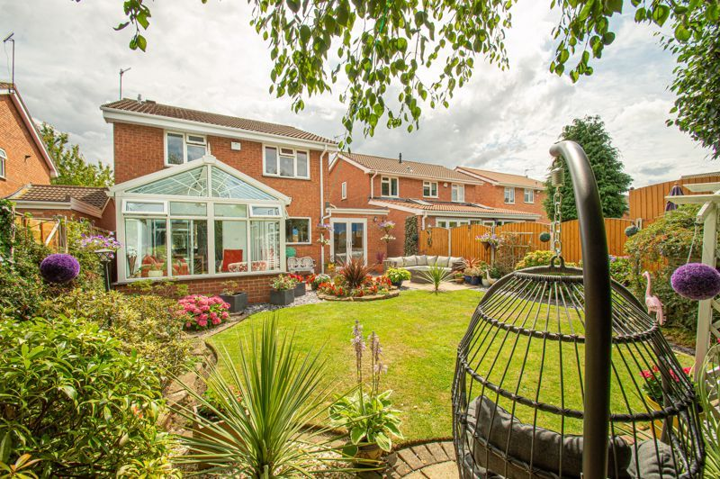 4 bed house for sale in Radbourne Drive 13