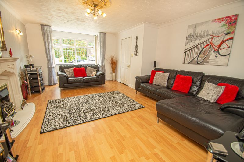 4 bed house for sale in Radbourne Drive 14