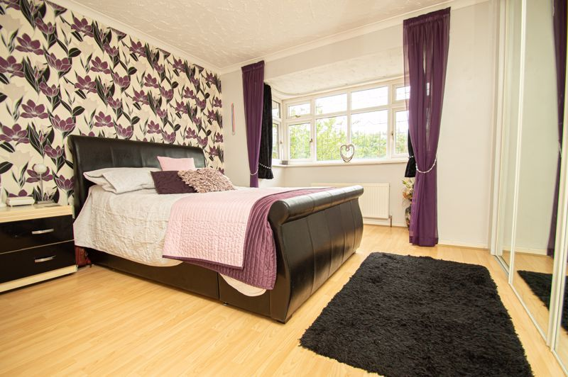 4 bed house for sale in Radbourne Drive 6