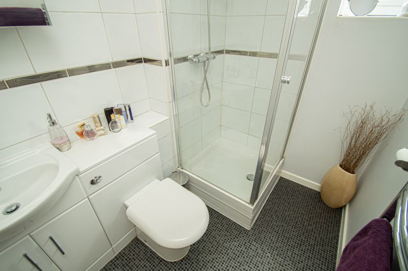 4 bed house for sale in Radbourne Drive 7