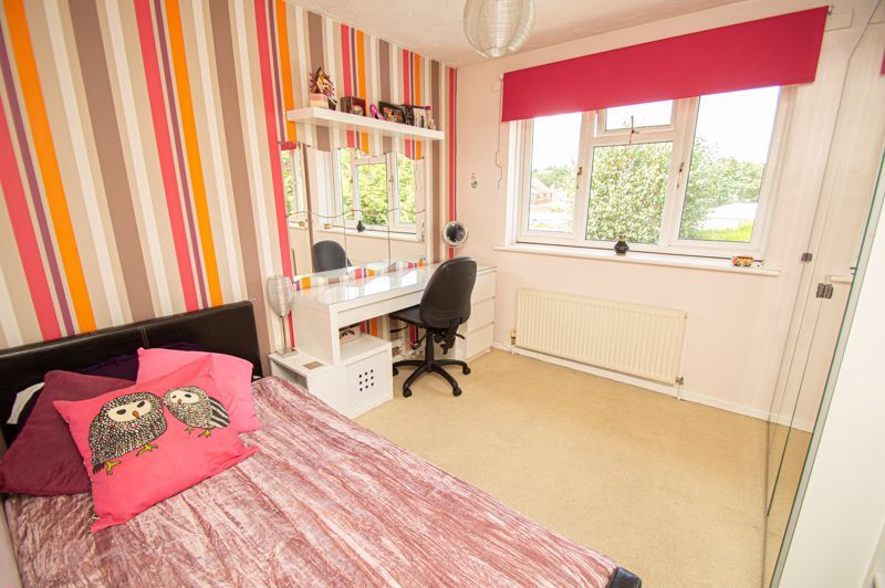 4 bed house for sale in Radbourne Drive 8