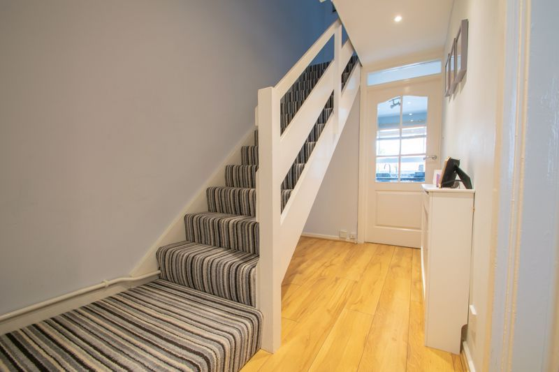 3 bed house for sale in Mendip Road 2