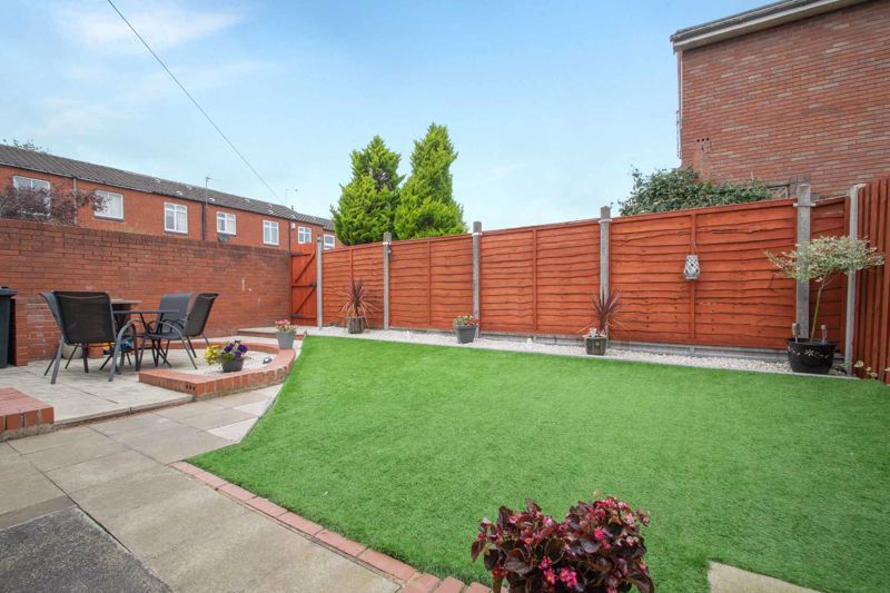 3 bed house for sale in Mendip Road 12