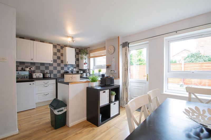 3 bed house for sale in Mendip Road 6