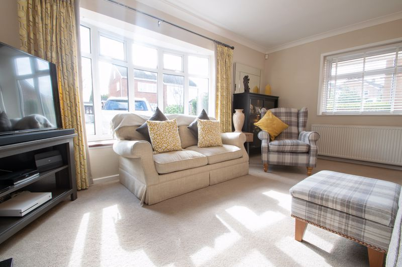 3 bed house for sale in Robins Close 15