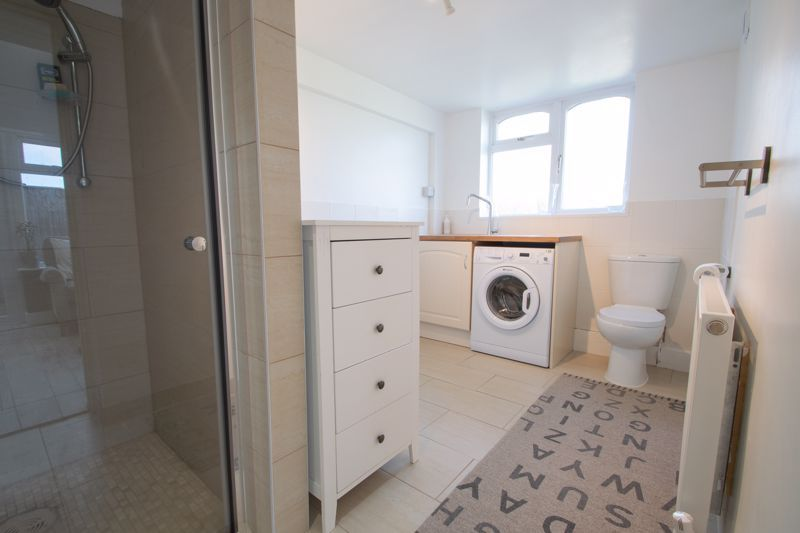 3 bed house for sale in Robins Close 17