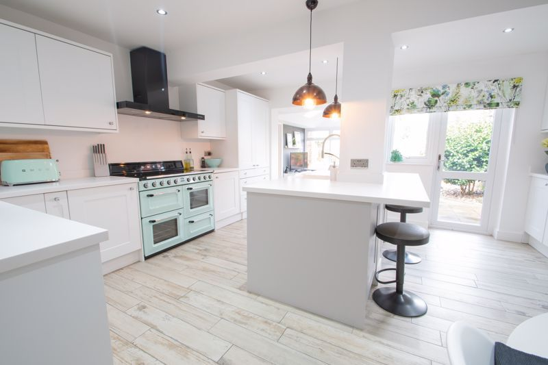 3 bed house for sale in Robins Close 3