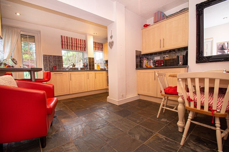 2 bed house for sale in Chapel Street 3