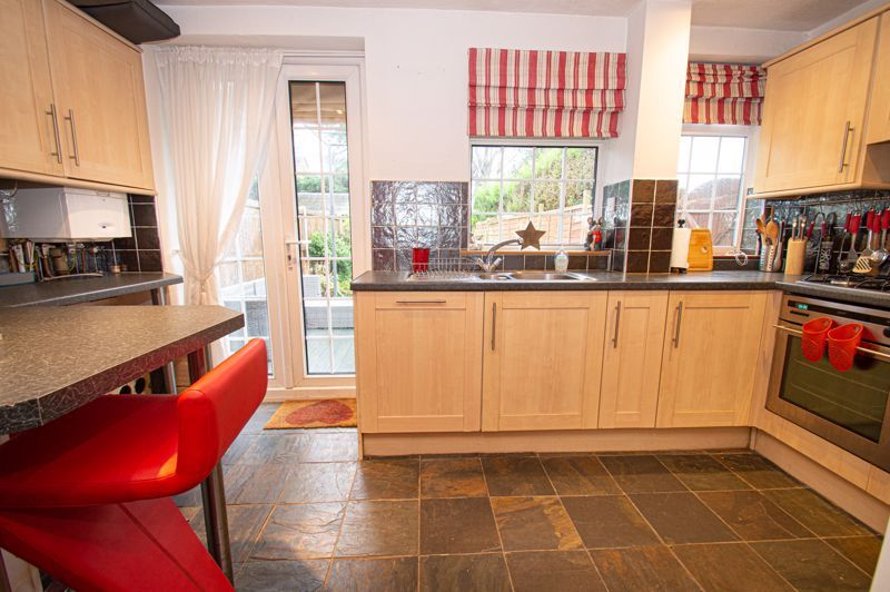 2 bed house for sale in Chapel Street 4