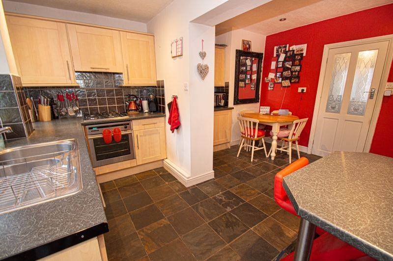 2 bed house for sale in Chapel Street 5