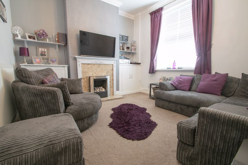 4 bed house for sale in Amblecote Road  - Property Image 2