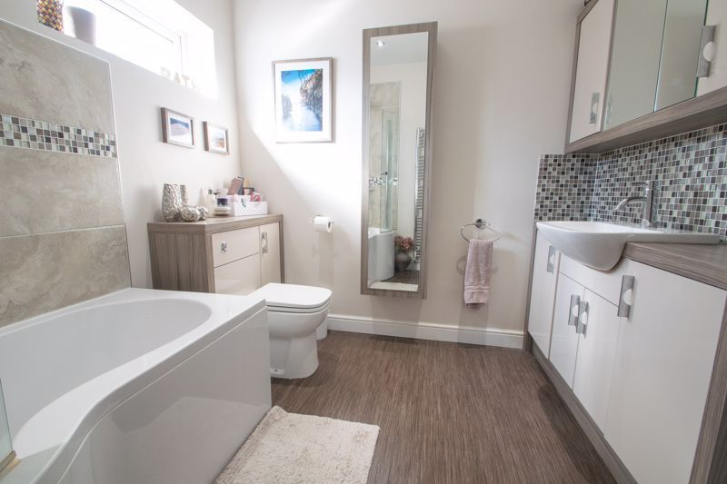 4 bed house for sale in Amblecote Road  - Property Image 12