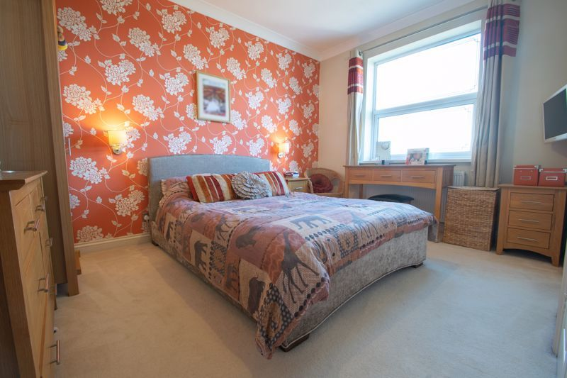 4 bed house for sale in Amblecote Road 7