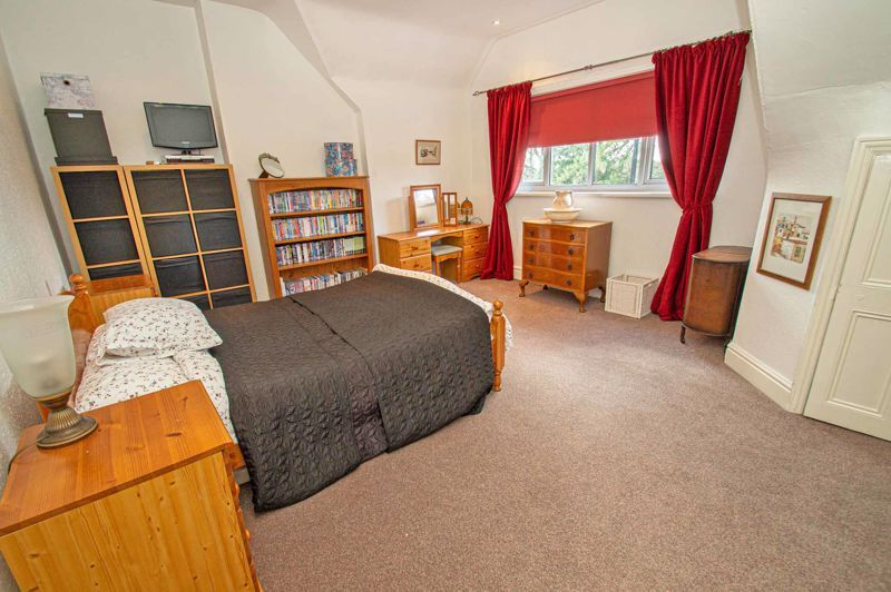 5 bed house for sale in Wake Green Road  - Property Image 11