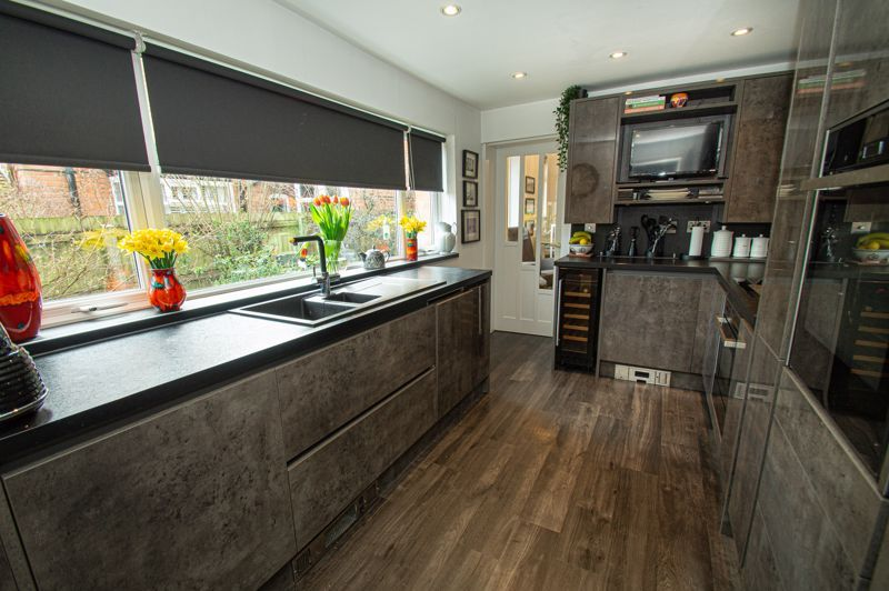 5 bed house for sale in Wake Green Road  - Property Image 3