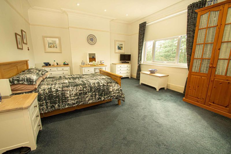 5 bed house for sale in Wake Green Road  - Property Image 7