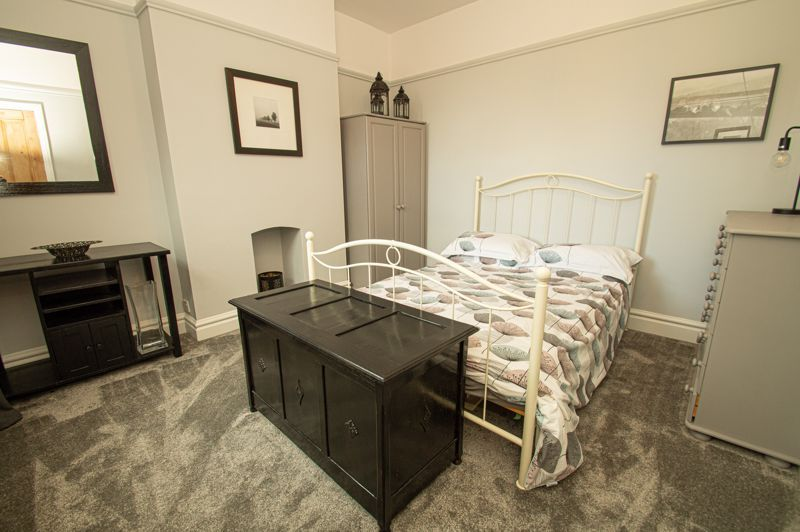 5 bed house for sale in Wake Green Road 8