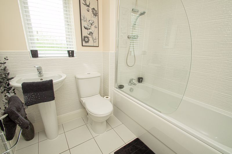4 bed house for sale in Keller Walk  - Property Image 12