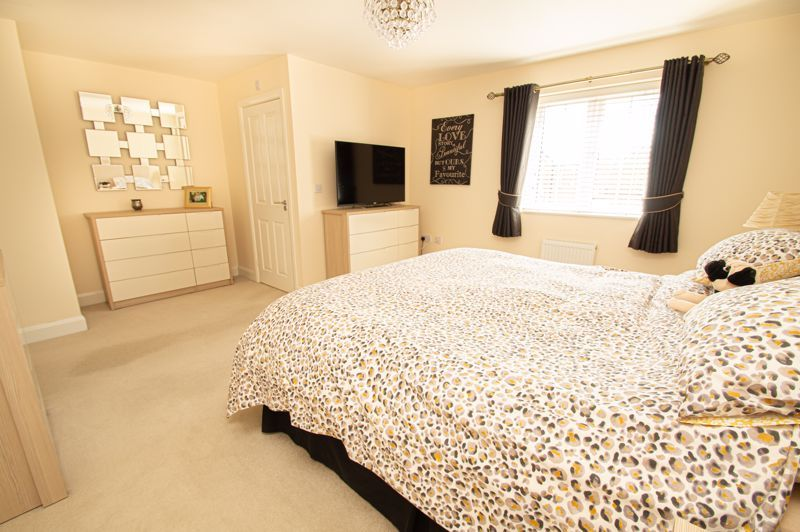 4 bed house for sale in Keller Walk  - Property Image 18
