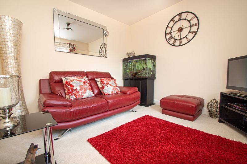 4 bed house for sale in Keller Walk  - Property Image 4