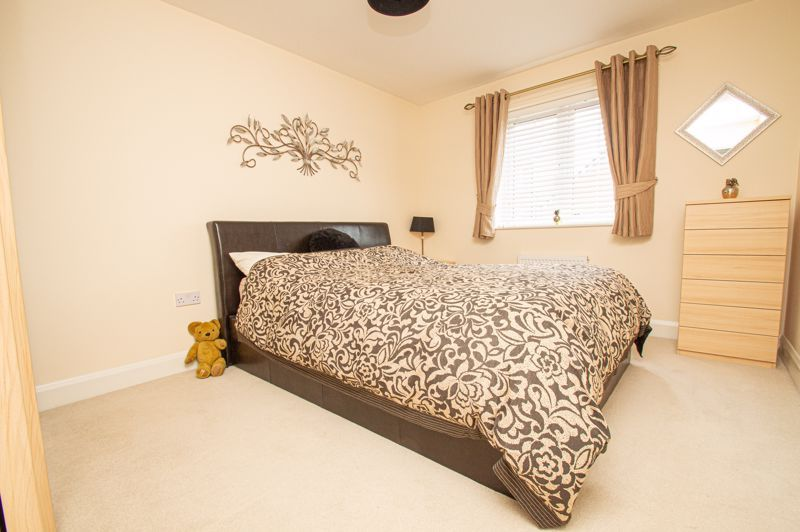 4 bed house for sale in Keller Walk  - Property Image 10