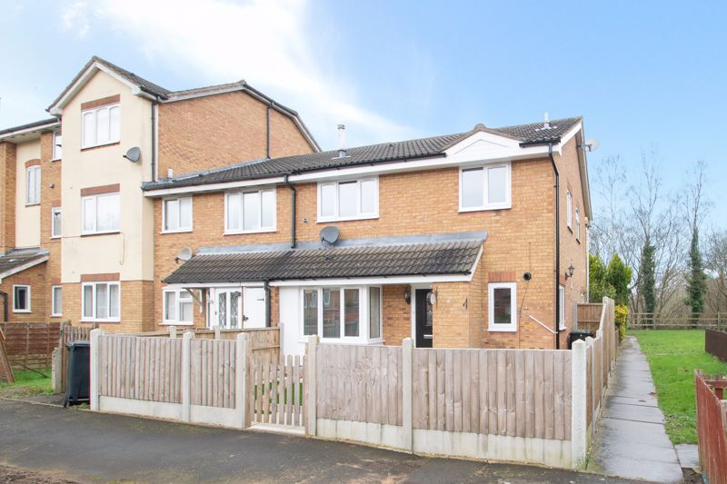 2 bed house for sale in Dadford View 1