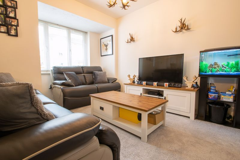 2 bed house for sale in Dadford View 2