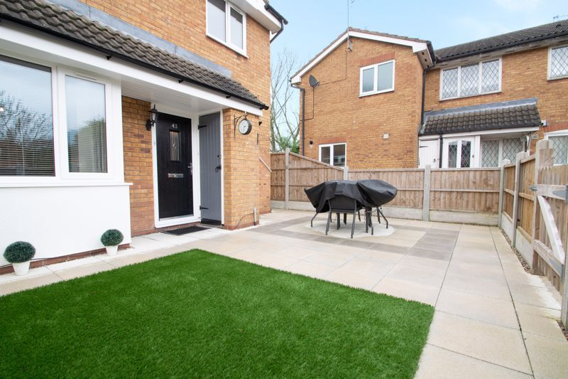 2 bed house for sale in Dadford View 12