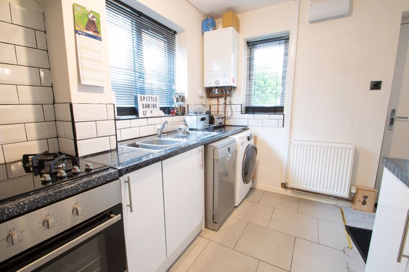 2 bed house for sale in Dadford View 5