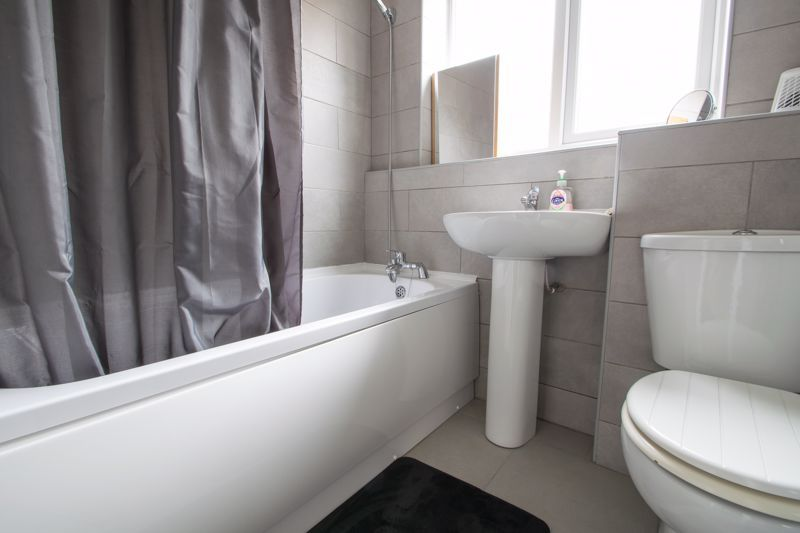 2 bed house for sale in Dadford View 9