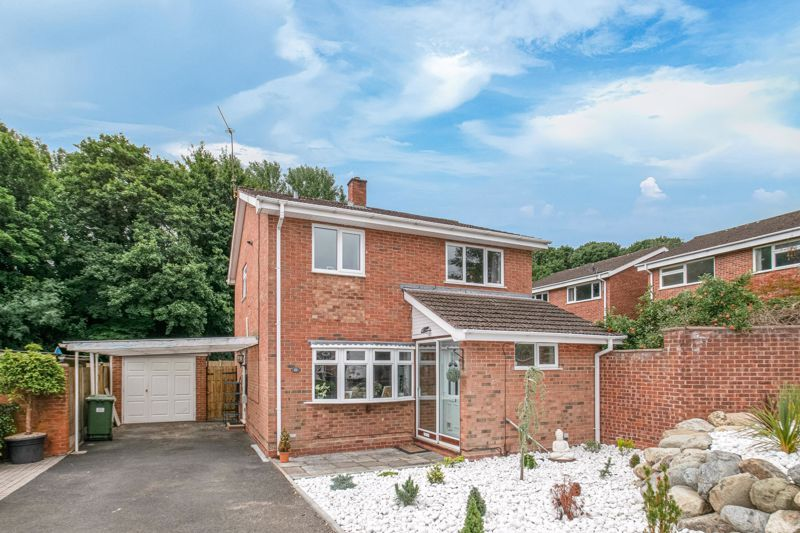 3 bed house for sale in Gilbertstone Close 1