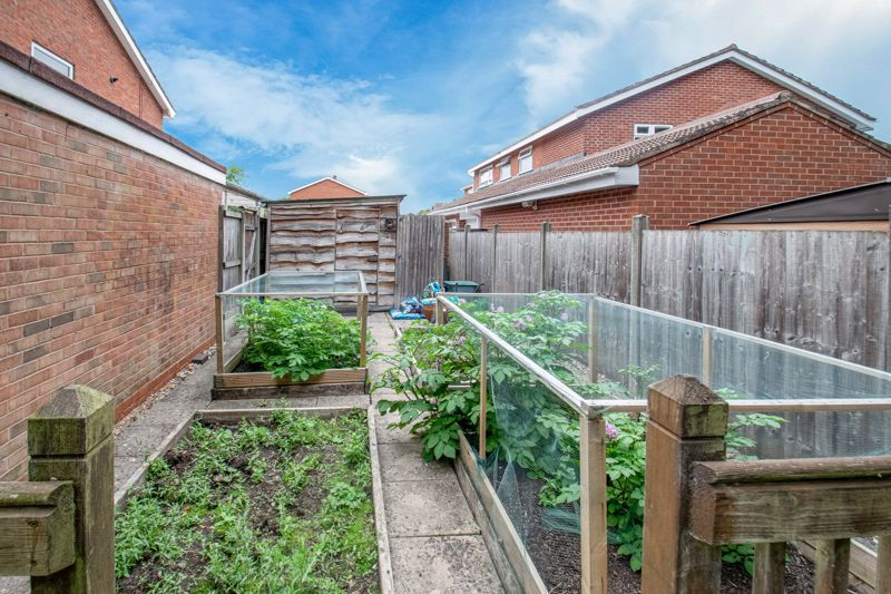 3 bed house for sale in Gilbertstone Close 13