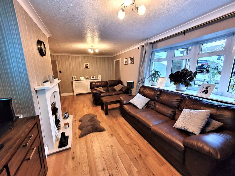 3 bed house for sale in Gilbertstone Close 3
