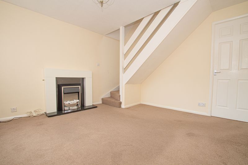 2 bed house for sale in Donnington Close 3