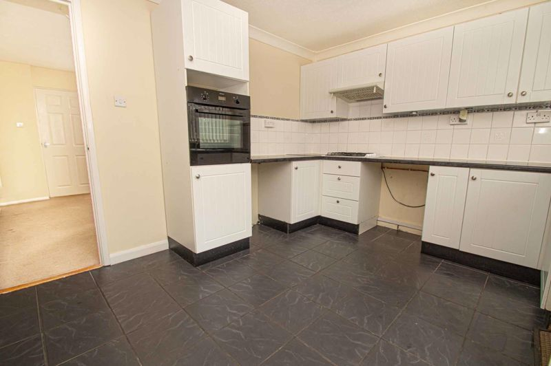 2 bed house for sale in Donnington Close 5