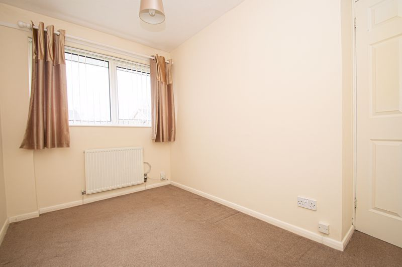 2 bed house for sale in Donnington Close 8