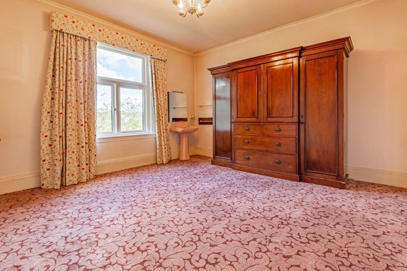 5 bed house for sale in College Road  - Property Image 11
