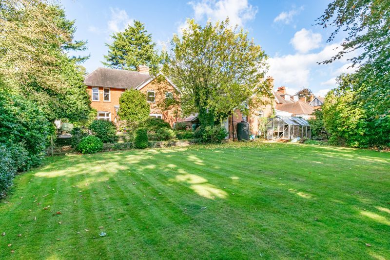 5 bed house for sale in College Road  - Property Image 15