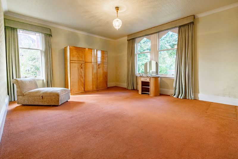 5 bed house for sale in College Road  - Property Image 10