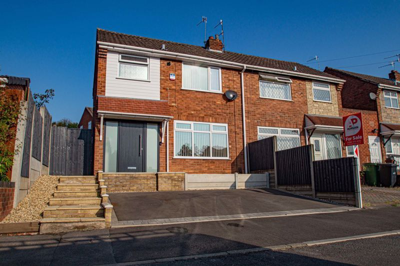 3 bed house for sale in Lawnsdown Road 1