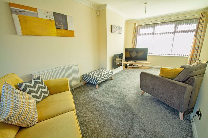 3 bed house for sale in Lawnsdown Road  - Property Image 3