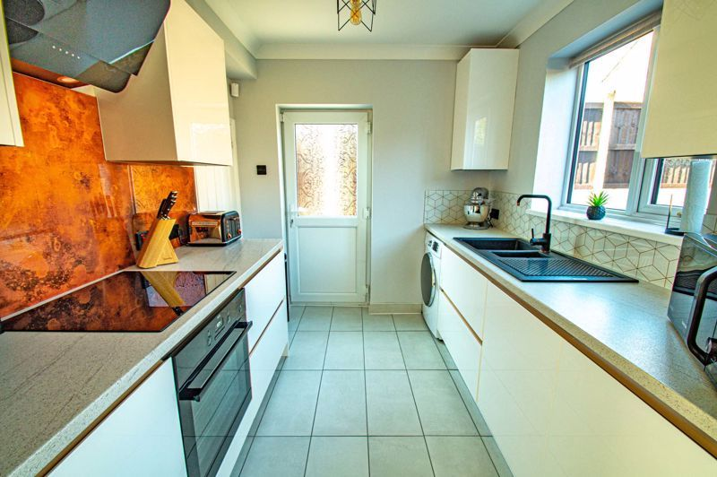 3 bed house for sale in Lawnsdown Road 6