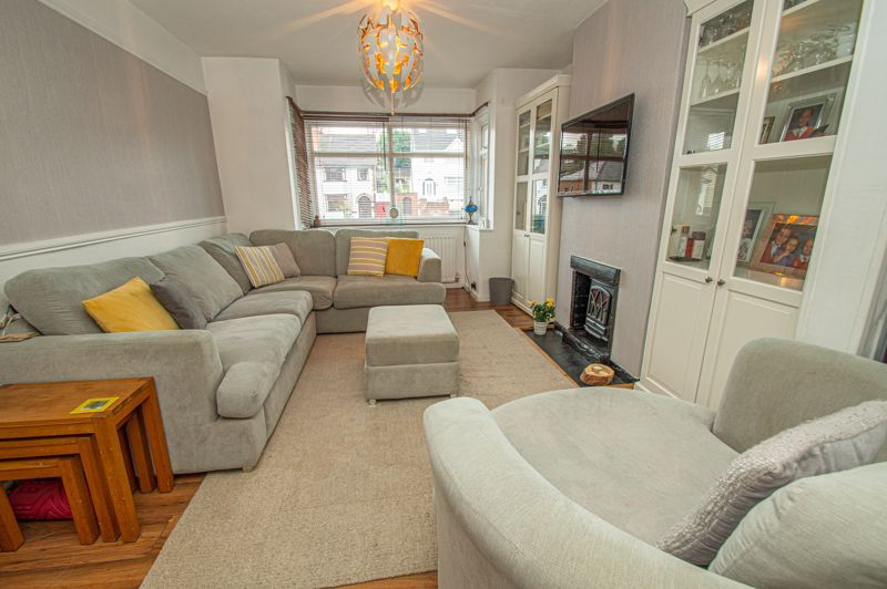 3 bed house for sale in Plymouth Road 2