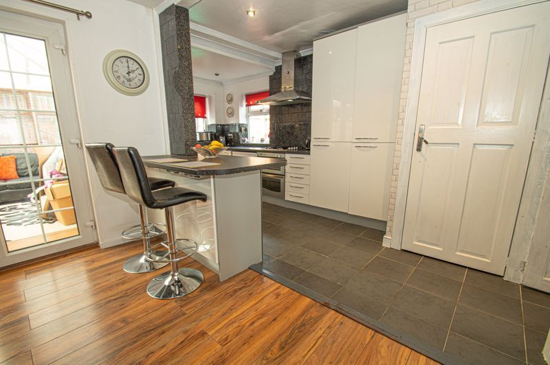3 bed house for sale in Plymouth Road 6