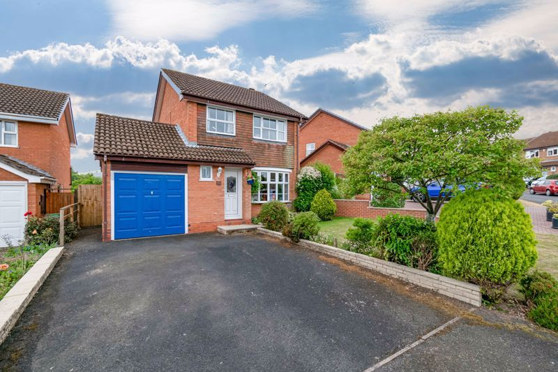 3 bed house for sale in Milford Close 1