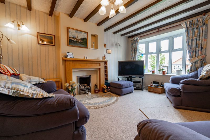 3 bed house for sale in Milford Close 2