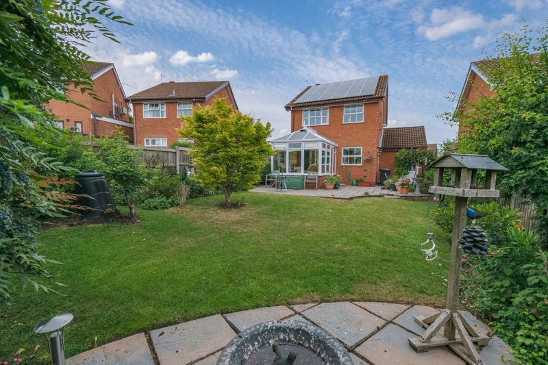 3 bed house for sale in Milford Close 12